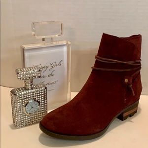 Sorel New w tag Short Booties Suede/Leather Size7